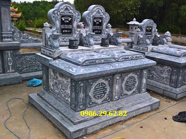 mộ đôi đá