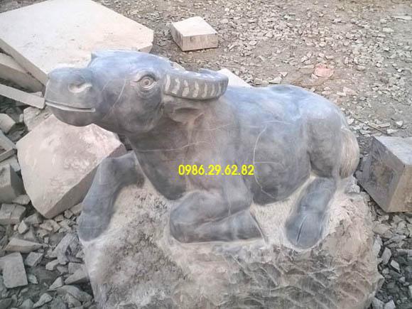 tượng trâu đá